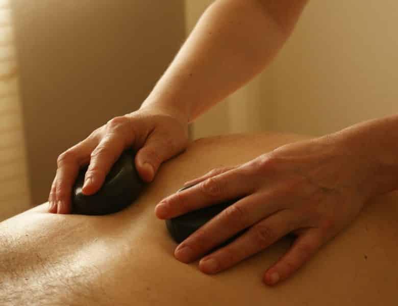 Un bon massage nécessite une bonne table de massage pliante