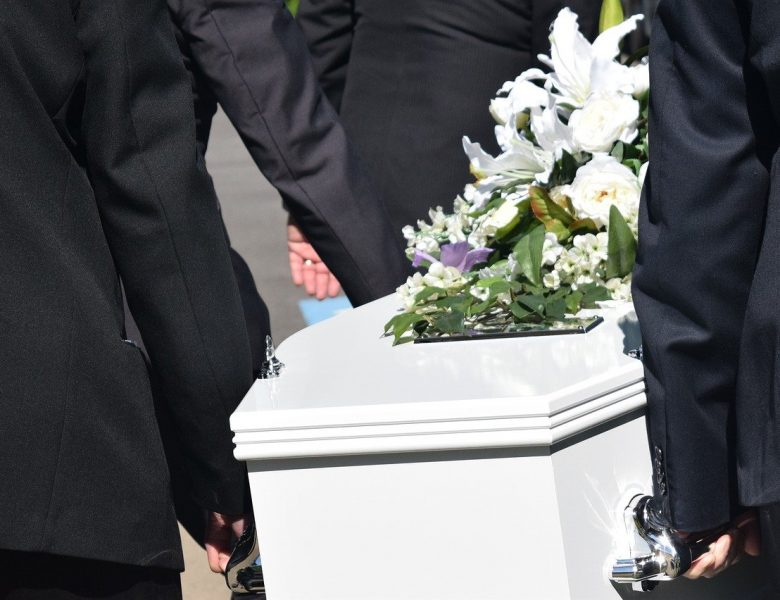 Pourquoi contacter une entreprise funéraire ?