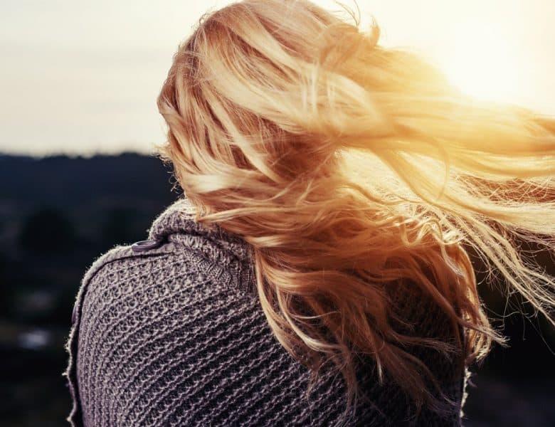 Pourquoi le stress fait-il tomber les cheveux ?