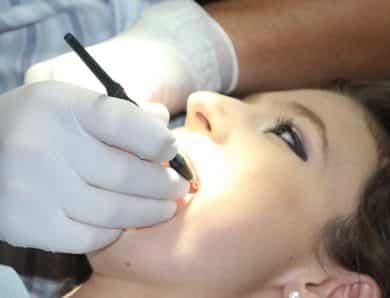Un cabinet dentaire soigne vos maux et votre apparence